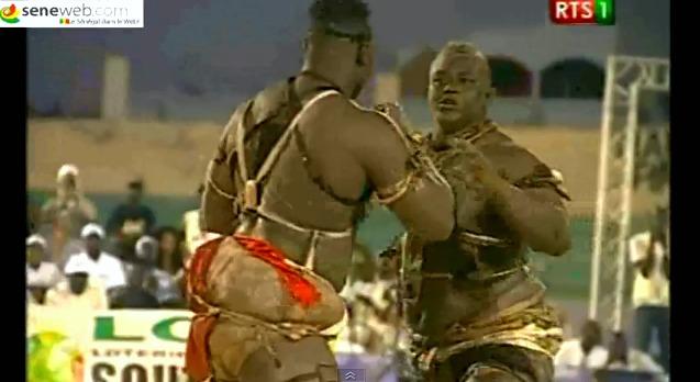 Ballay Gaye s'impose face à Tapha Tine (capture d'écran YouTube)